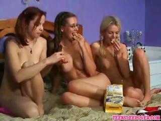 Porno Video of Teens Fingering Cunt
