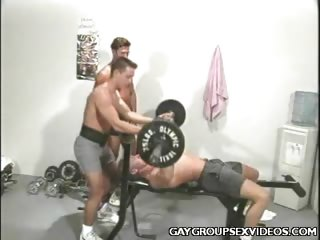 Porno Video of Buffed Gays Group Bang