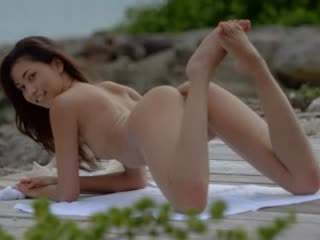 Porno Video of Chinese Angel Teasing By The Ocean