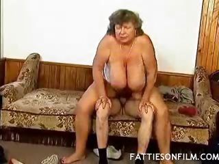 Porn Tube of Fat Mature Pussy Gets Speared