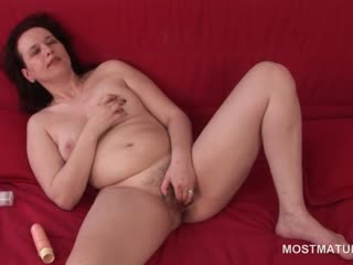 Porno Video of Excited Naked Mature Pleasing Her Pussy With Fingers And Toy