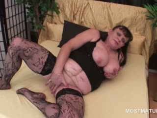 Porno Video of Big Boobed Slutty Mature Working Her Craving Snatch