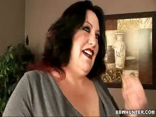 Porno Video of Bbw Matalla Examines Cock