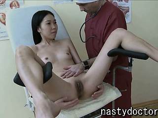 Porno Video of Petite Asian Pussy Exam