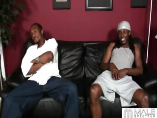 Porno Video of One Night While Darvin And Playboy Were Out With Their Honeys, Darvin Noticed Playboy Checkin' His Package Out In The Bathroom. The Next Day, Darvin Called Him Up To Come Hang-out, Just The Two Of Them This Time. Cum On Over And See How Darvin Gets This G