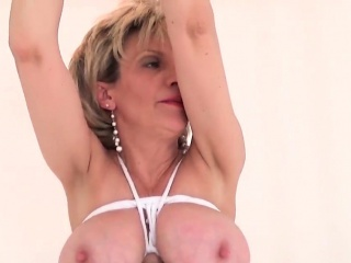 Unfaithful uk mature lady sonia shows off her monster tits