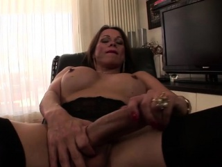 Italian shemale hardcore anal with cumshot