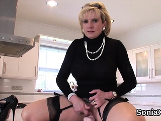 Unfaithful english mature lady sonia displays her big hooter