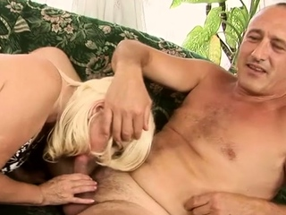 Wicked mature lady Marianne coitus in porno